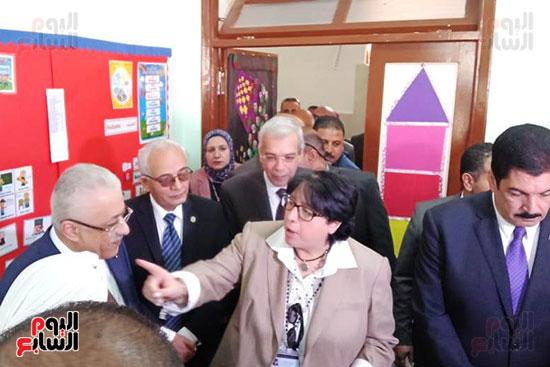 وزير-التعليم-يفتتح-المدرسة-الدولية-بالعبور-(12)
