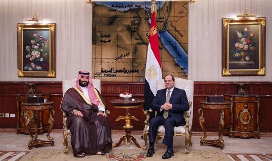 الرئيس السيسى يستقبل ولى العهد السعودى فى مطار القاهرة (1)