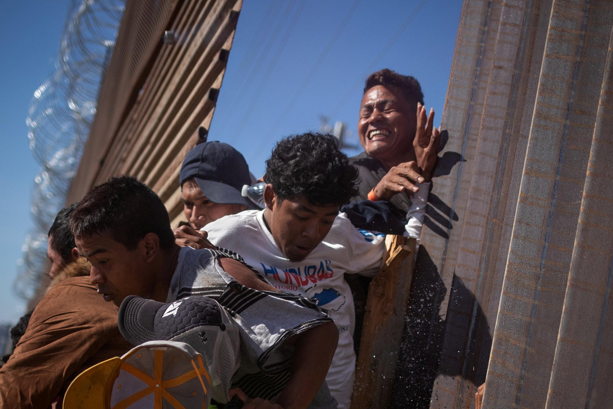 محاولات المهاجرين الفرار
