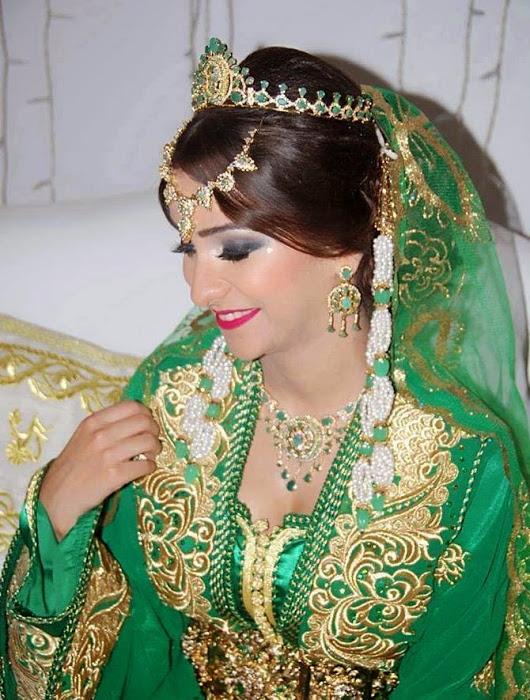 الملابس العروسة