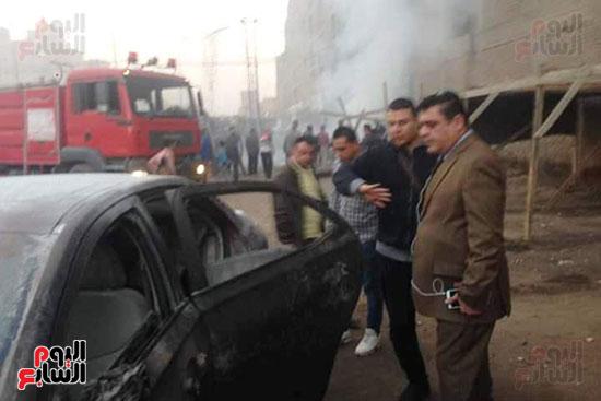 3 سيارات إطفاء للسيطرة على حريق بجراج فى شبرا الخيمة (5)
