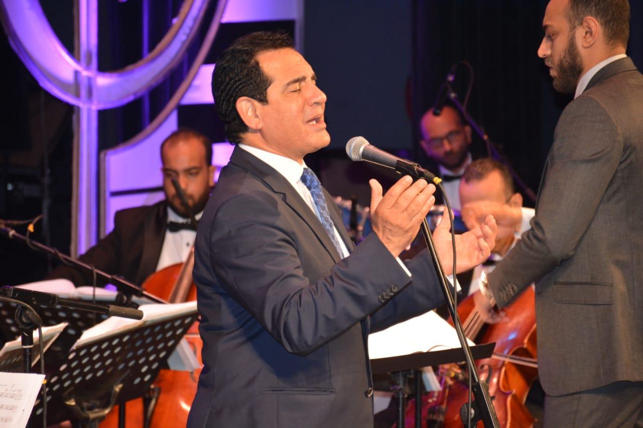محمد ثروت يفتتح حفلات مهرجان الموسيقى العربية (3)