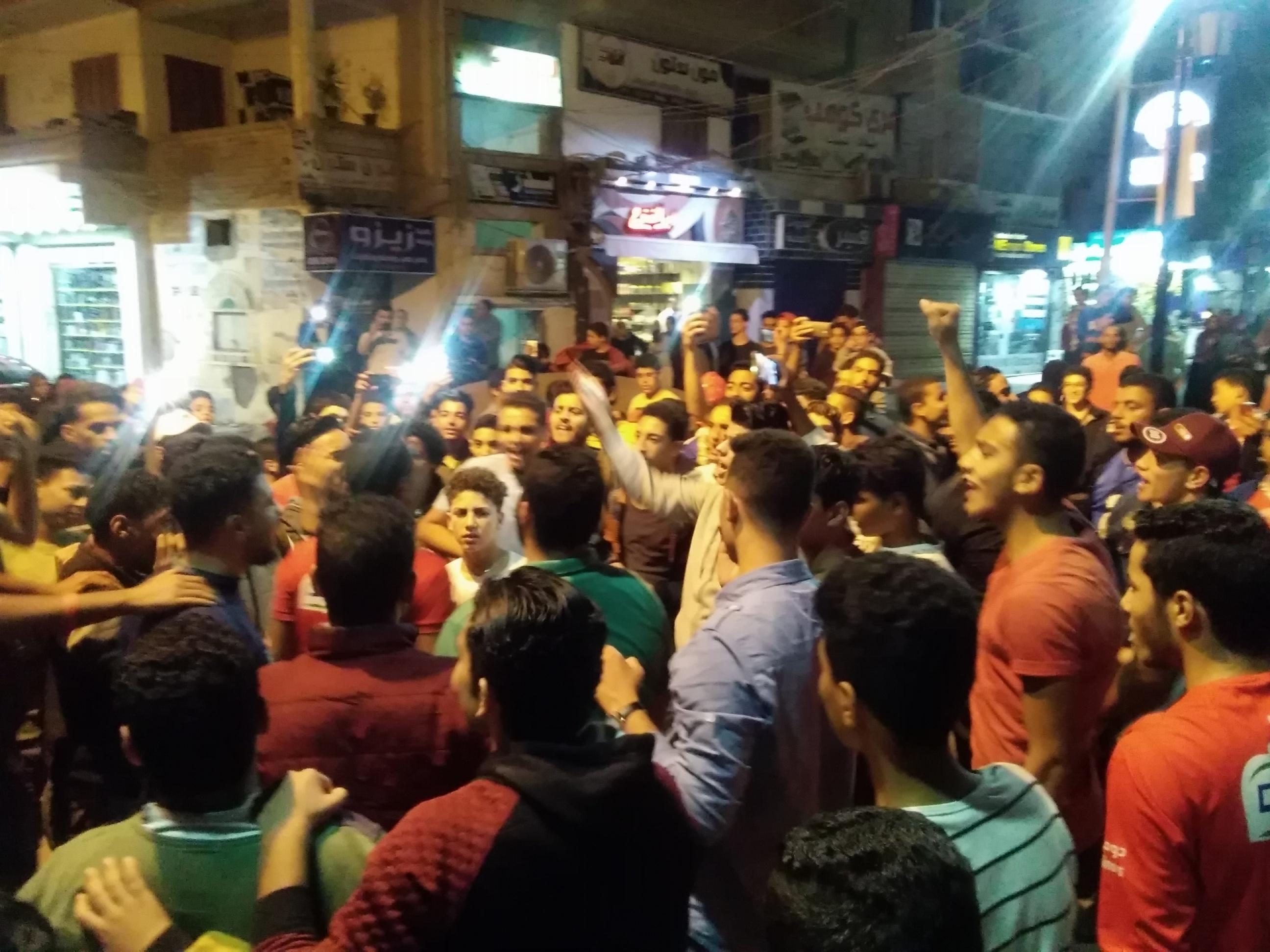 جماهير الأهلى بكفرالشيخ يملأون الشوارع (16)