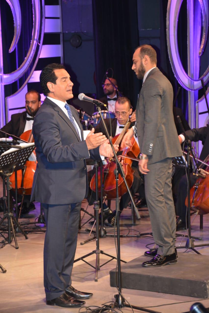محمد ثروت يفتتح حفلات مهرجان الموسيقى العربية (2)