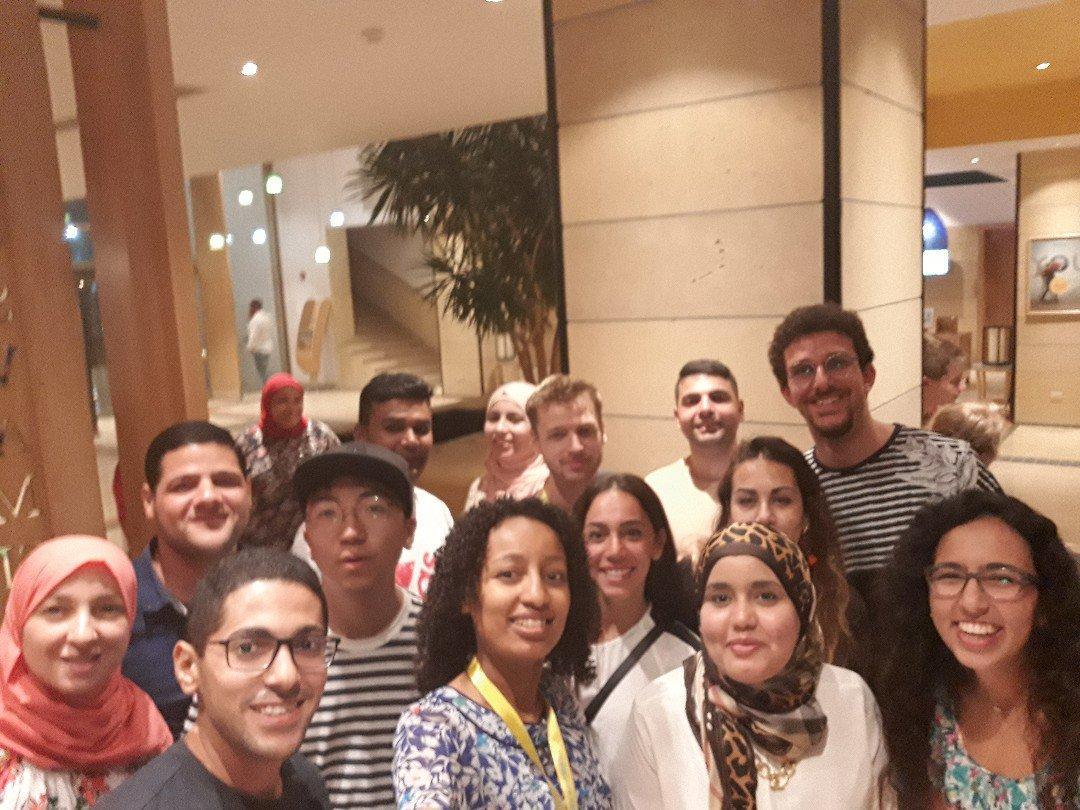 صورة جماعية لبعض المشاركين فى منتدى شباب العالم 2018