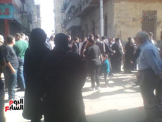 صلوات الجنازة على جثامين شهداء حادث المنيا بكنيسة الأمير تادرس (30)