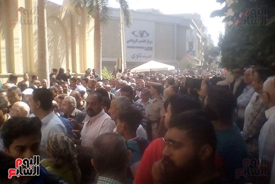 صلوات الجنازة على جثامين شهداء حادث المنيا بكنيسة الأمير تادرس (7)