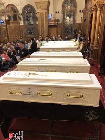صلوات الجنازة على جثامين شهداء حادث المنيا بكنيسة الأمير تادرس (3)