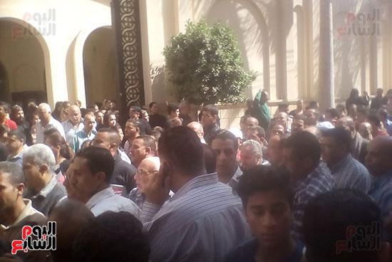 صلوات الجنازة على جثامين شهداء حادث المنيا بكنيسة الأمير تادرس (11)