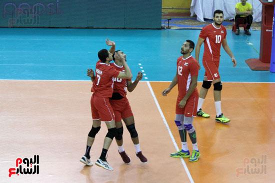 صور و فيديو .. منتخب الطائرة يهزم البحرين 3  1 ويتوج بالبطولة العربية  (25)
