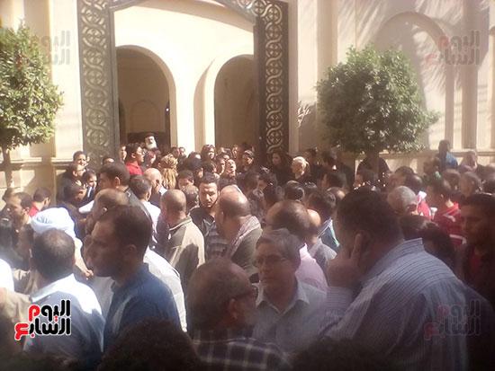 صلوات الجنازة على جثامين شهداء حادث المنيا بكنيسة الأمير تادرس (6)