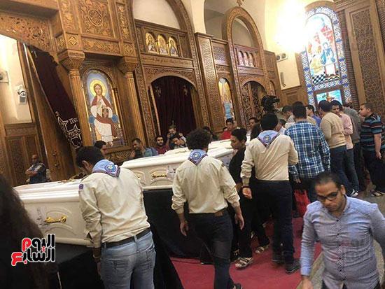 صلوات الجنازة على جثامين شهداء حادث المنيا بكنيسة الأمير تادرس (1)