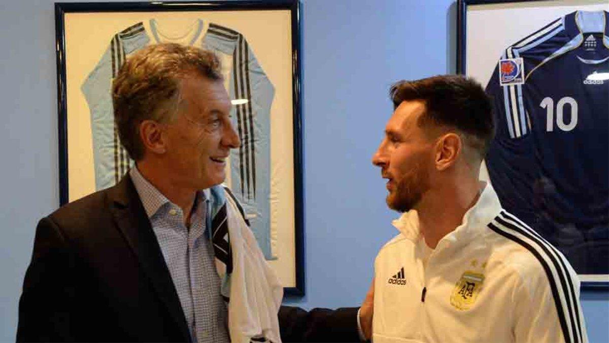ميسي مع رئيس الأرجنتين