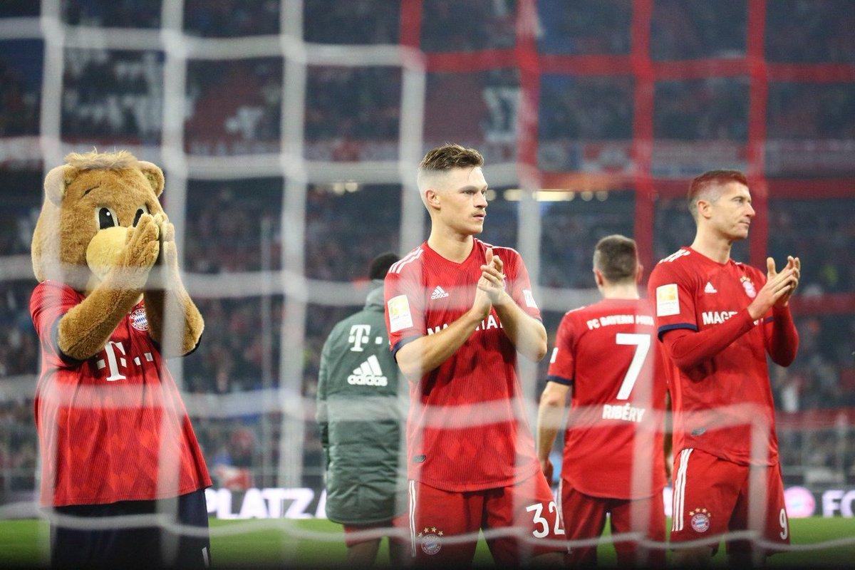 ليفا وكيميتش يوجهون التحية لجماهير بايرن ميونخ بعد التعادل ضد فرايبورج