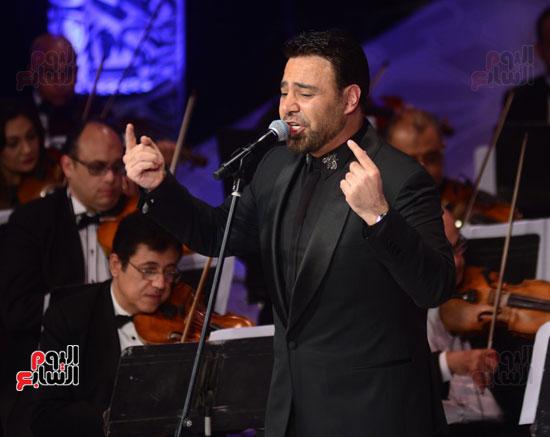 صور عاصي الحلاني يتألق في ثالث فعاليات مهرجان الموسيقي  (35)