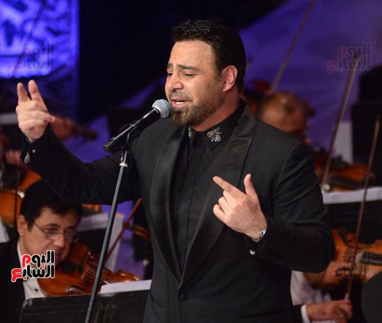 صور عاصي الحلاني يتألق في ثالث فعاليات مهرجان الموسيقي  (36)