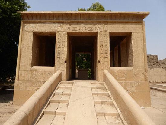 المتحف-المفتوح-بمعابد-الكرنك-خطوة-مميزة-لوزارة-الآثار-لحماية-المقصورات-والقطع-(10)