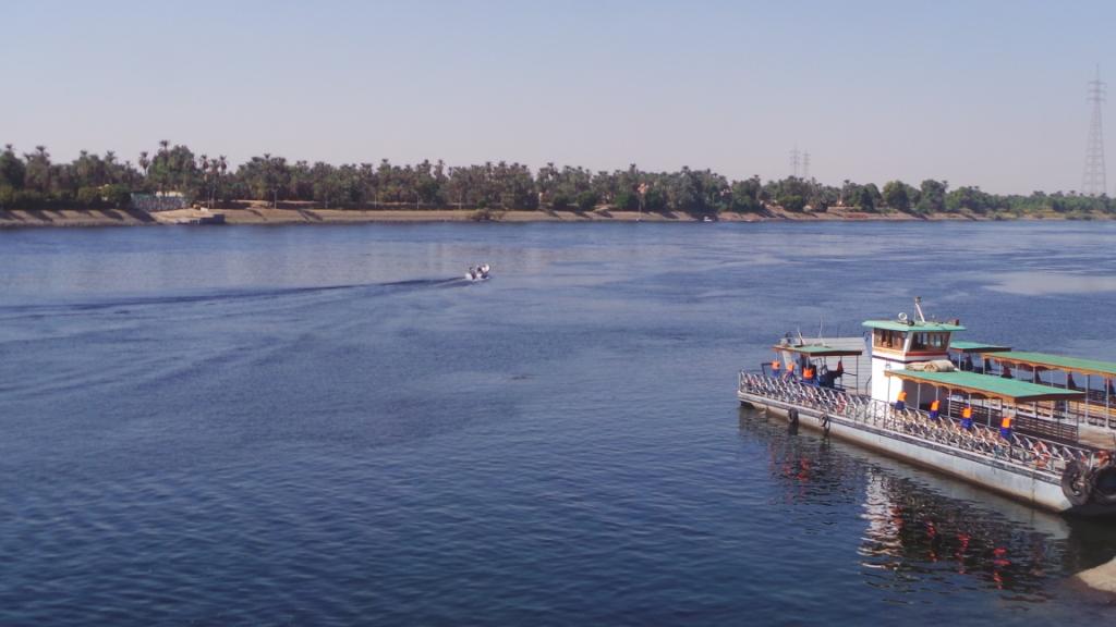 نهر النيل قبل البدء فى إنشاء المحور