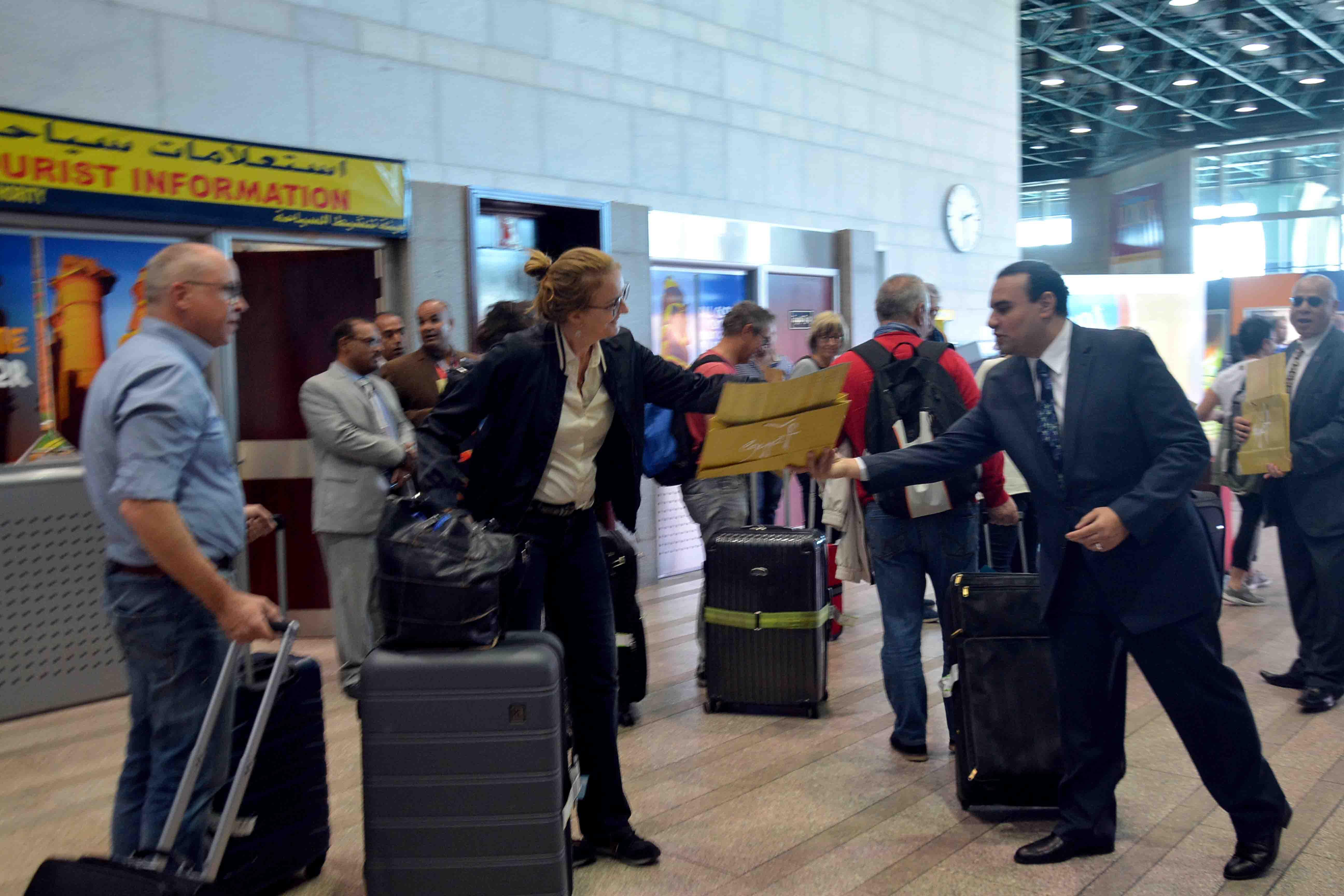 أول رحلة طيران شارتر قادمة من مطار فرانكفورت بألمانيا  (5)