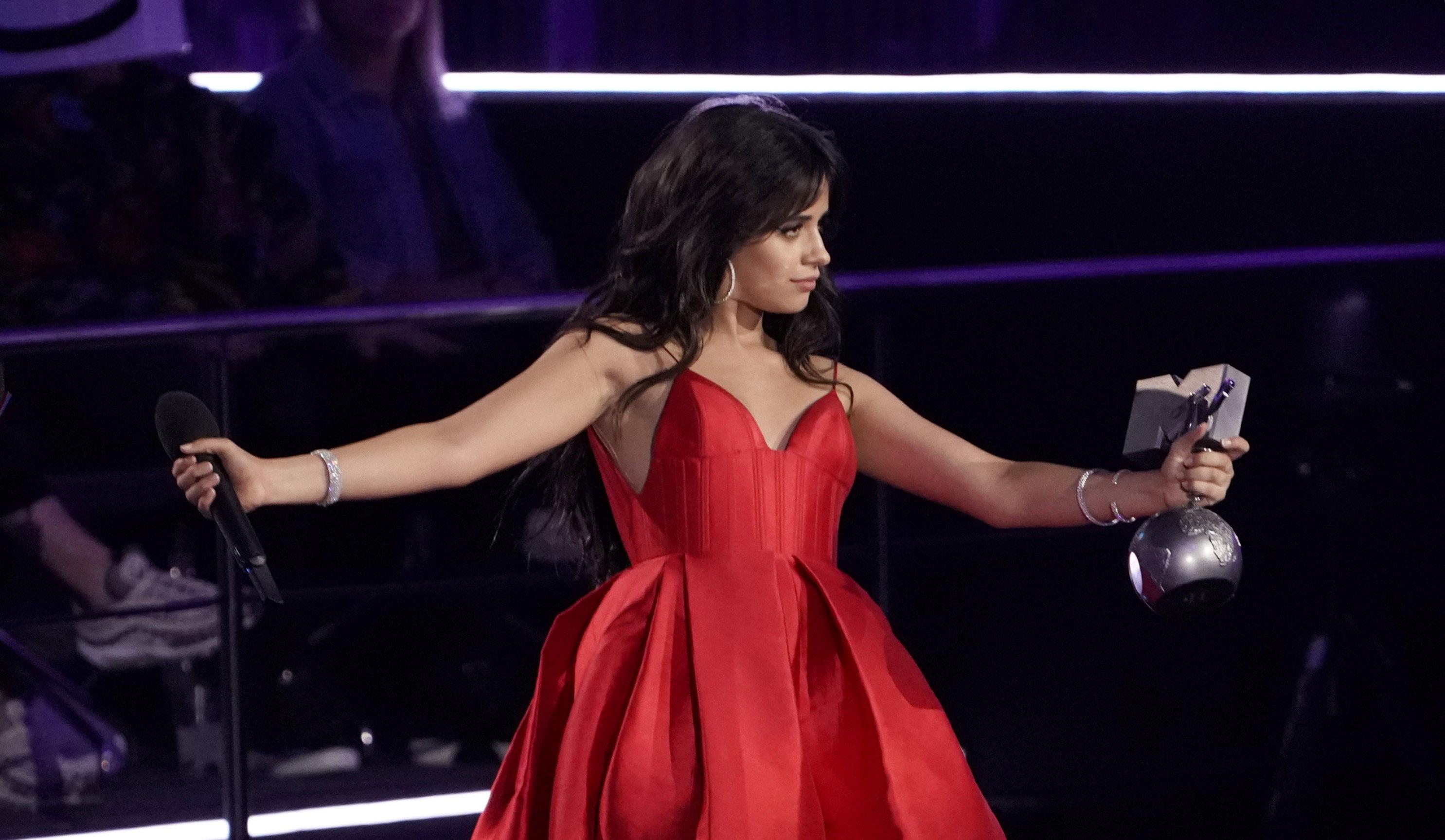 المغنية الكوبية الأمريكية كاميلا كابيلو (1)