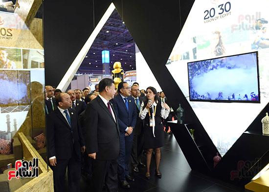 مصطفى مدبولى يفتتح الجناح المصرى بمعرض الصين الدولى للواردات بشنغهاى (9)