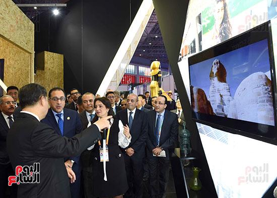 مصطفى مدبولى يفتتح الجناح المصرى بمعرض الصين الدولى للواردات بشنغهاى (11)
