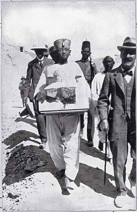 اكتشاف مقبرة توت عنخ آمون (6)