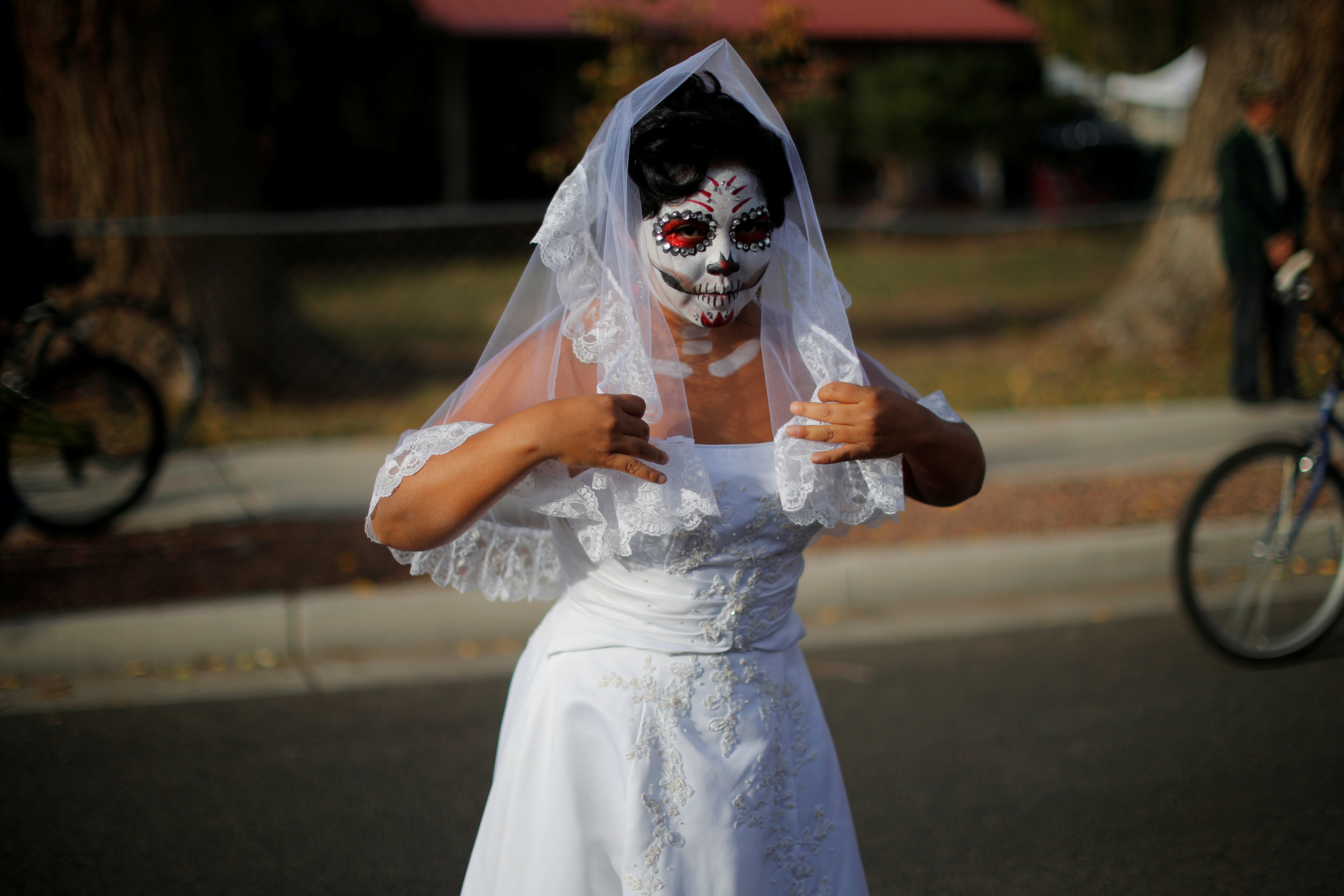 مكسيكيون يحتفلون بـيوم الموتى (3)