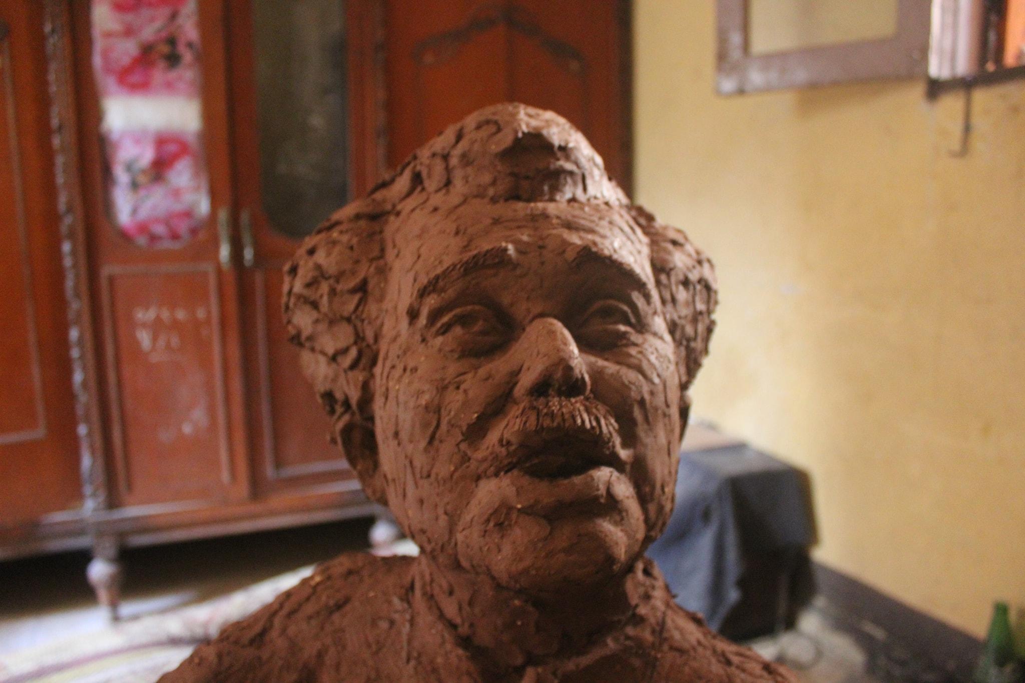 تمثال الشيخ حسنى