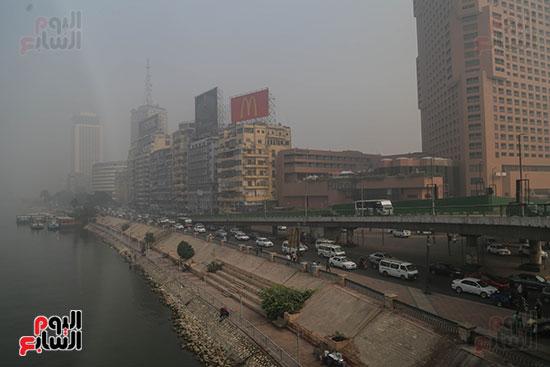 صور شبورة كثيفة تغطى سماء القاهرة والجيزة (1)