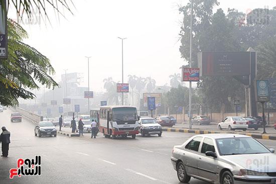 صور شبورة كثيفة تغطى سماء القاهرة والجيزة (9)