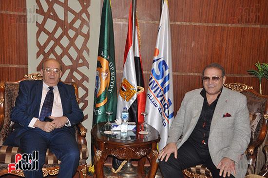 مجلس أمناء جامعة سيناء لبحث التعاون (1)