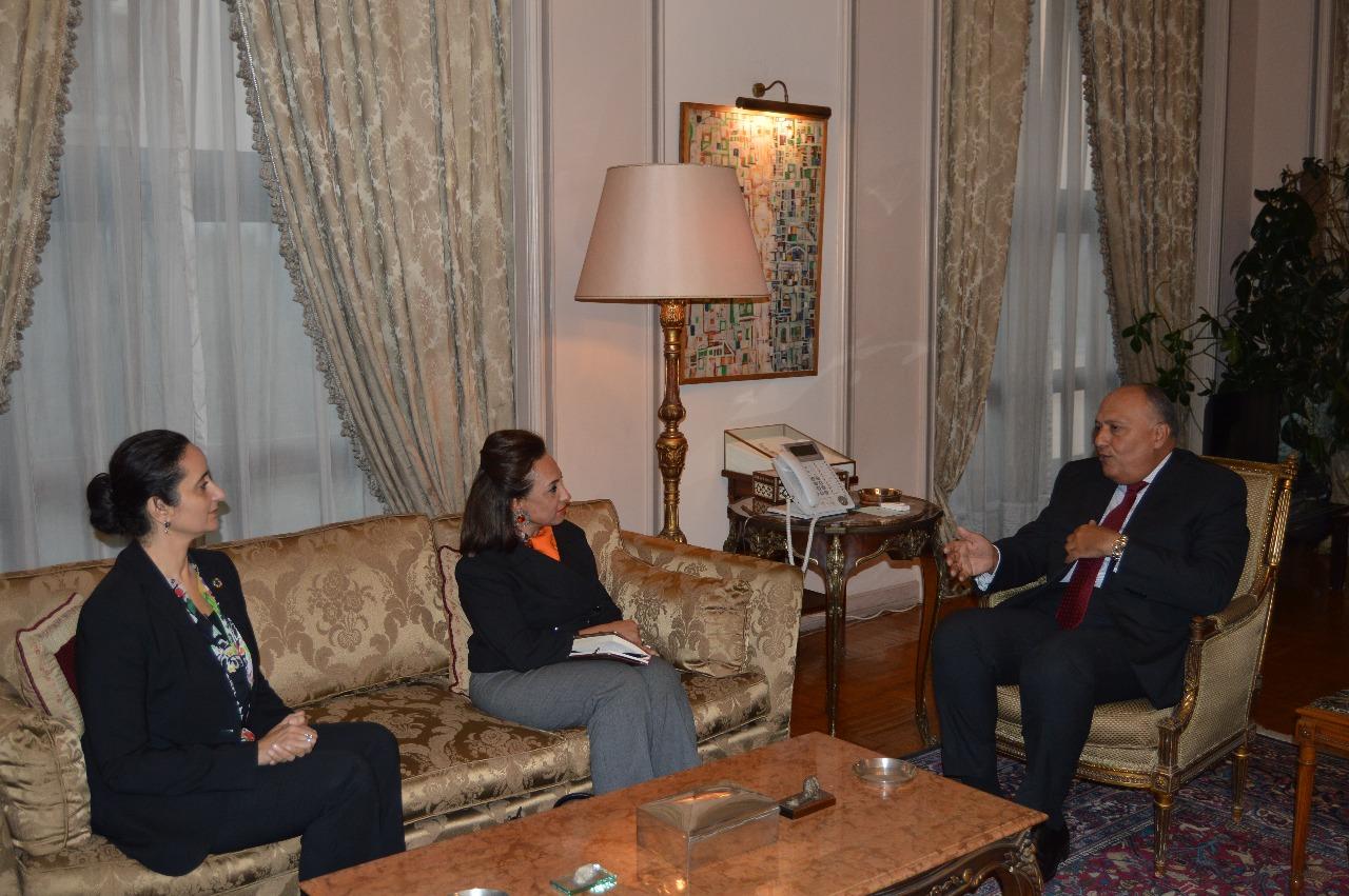 شكرى يستقبل وفد مجموعة الصداقة البرلمانية المصرية البريطانية (2)