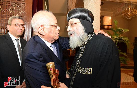 رئيس مجلس النواب يعزى البابا تواضروس (1)