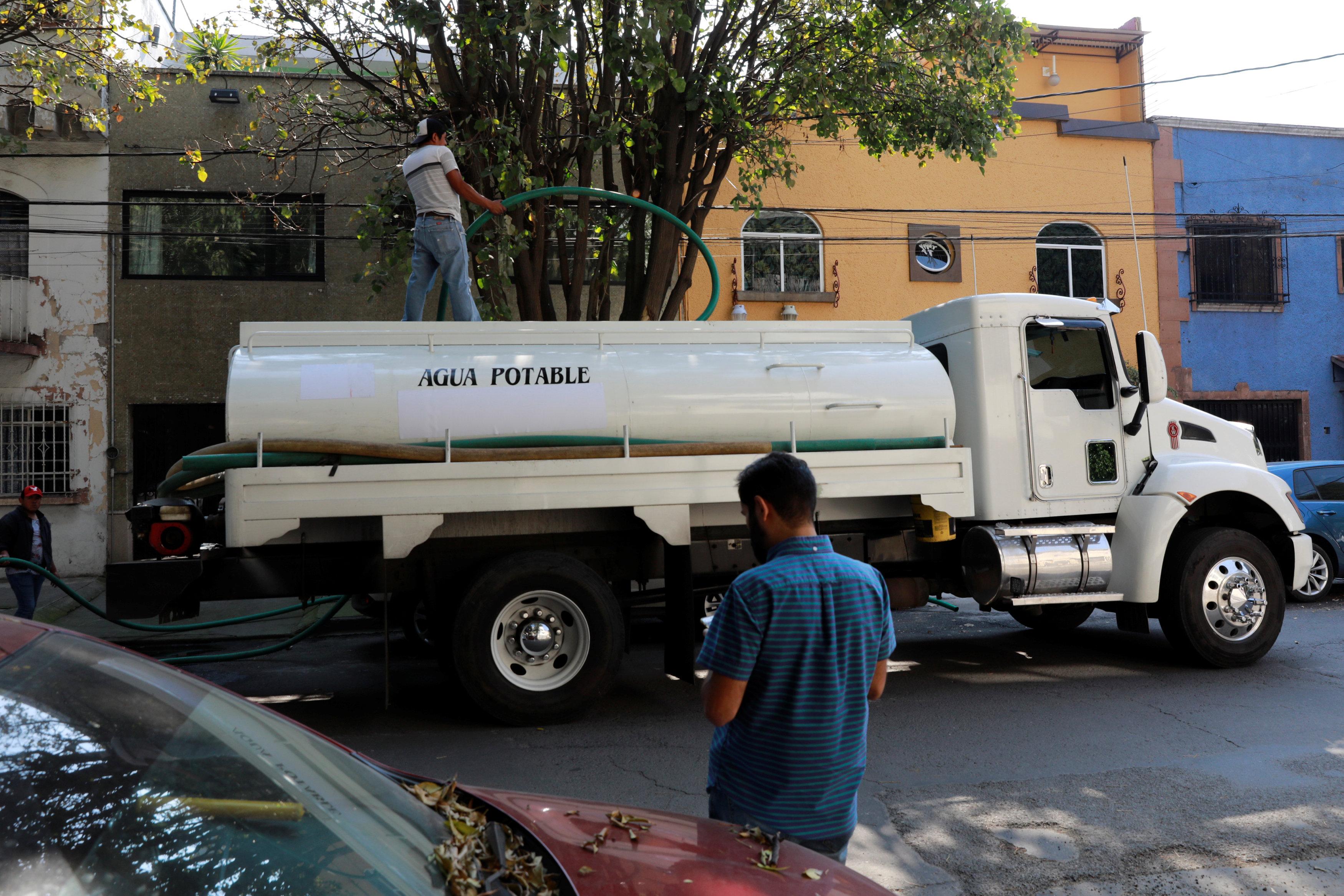 سيارات خزانات المياه