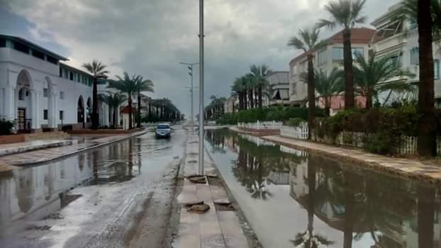 الأمطار تغرق شوارع رأس البر (4)