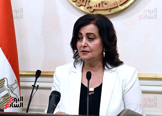 43020-منى-محرز-نائبة-وزير-الزراعه-(1)