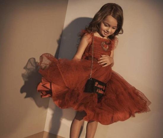 فستان رومانسى أحمر داكن