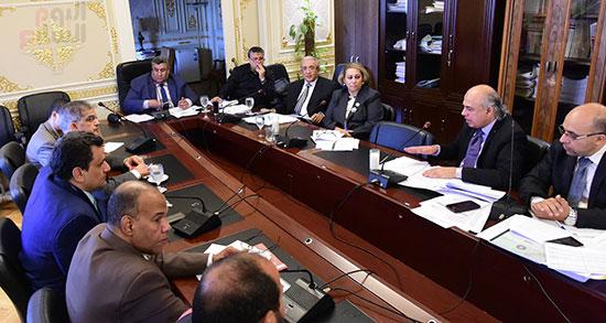 لجنة الخطة والموازنة (12)
