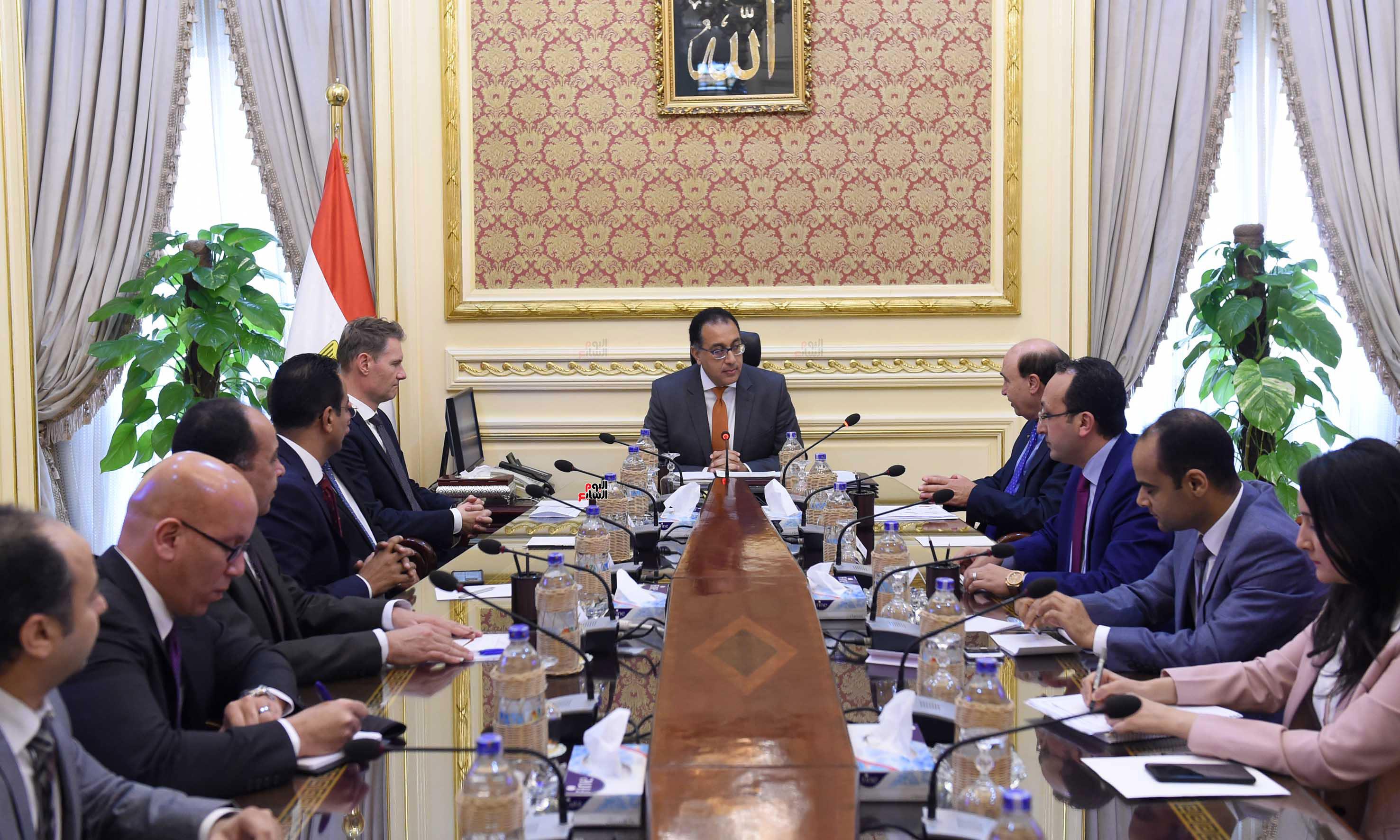رئيس الوزراء يلتقى مسئولى ميرسك العالمية لجذب خطوطا ملاحية لشرق بورسعيد (3)