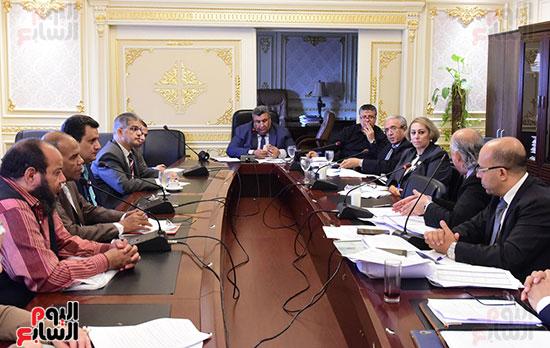 لجنة الخطة والموازنة (10)