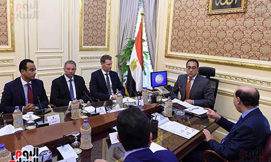 رئيس الوزراء يلتقى مسئولى ميرسك العالمية لجذب خطوطا ملاحية لشرق بورسعيد (2)