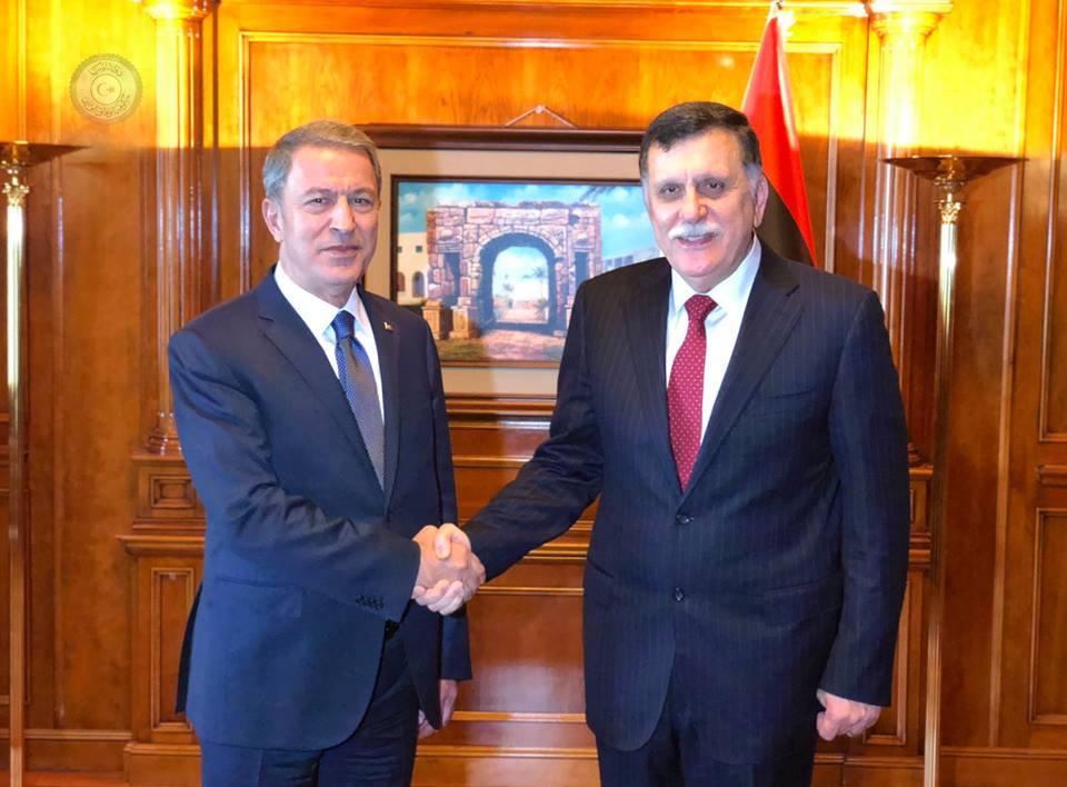 فائز السراج ووزير الدفاع التركى خلوصى آكار