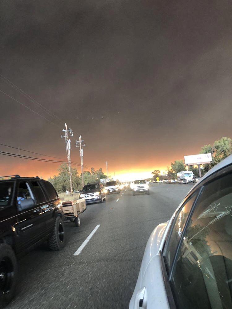 النيران الضخمة فى كاليفورنيا