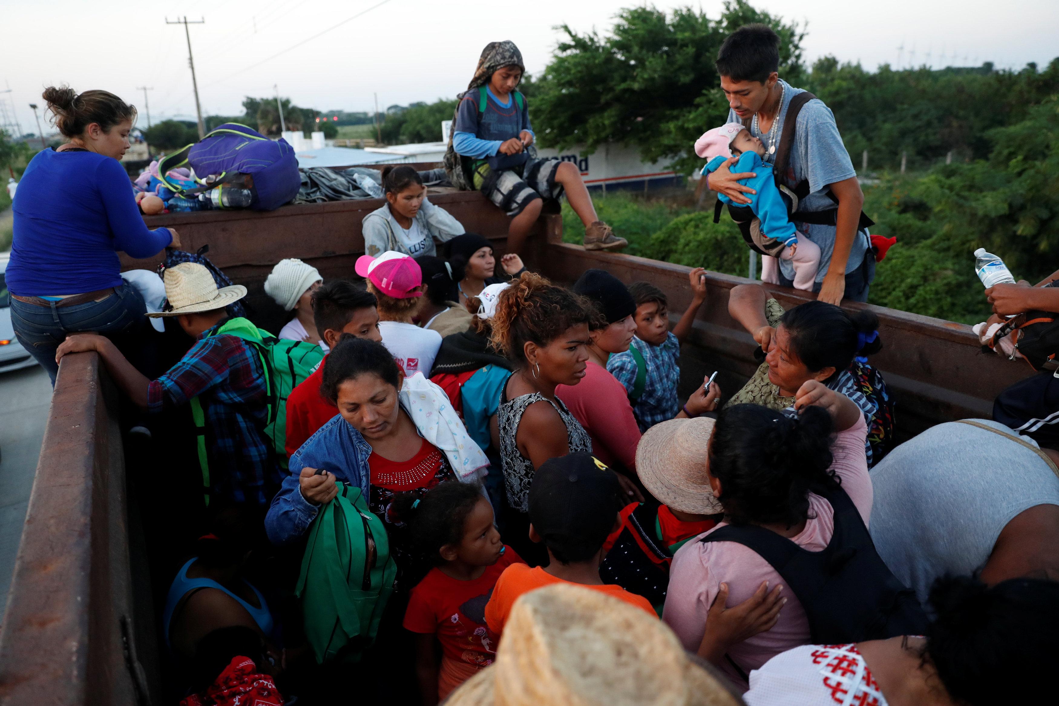 قافلة المهاجرين تواصل تقدمها تجاه أمريكا (3)