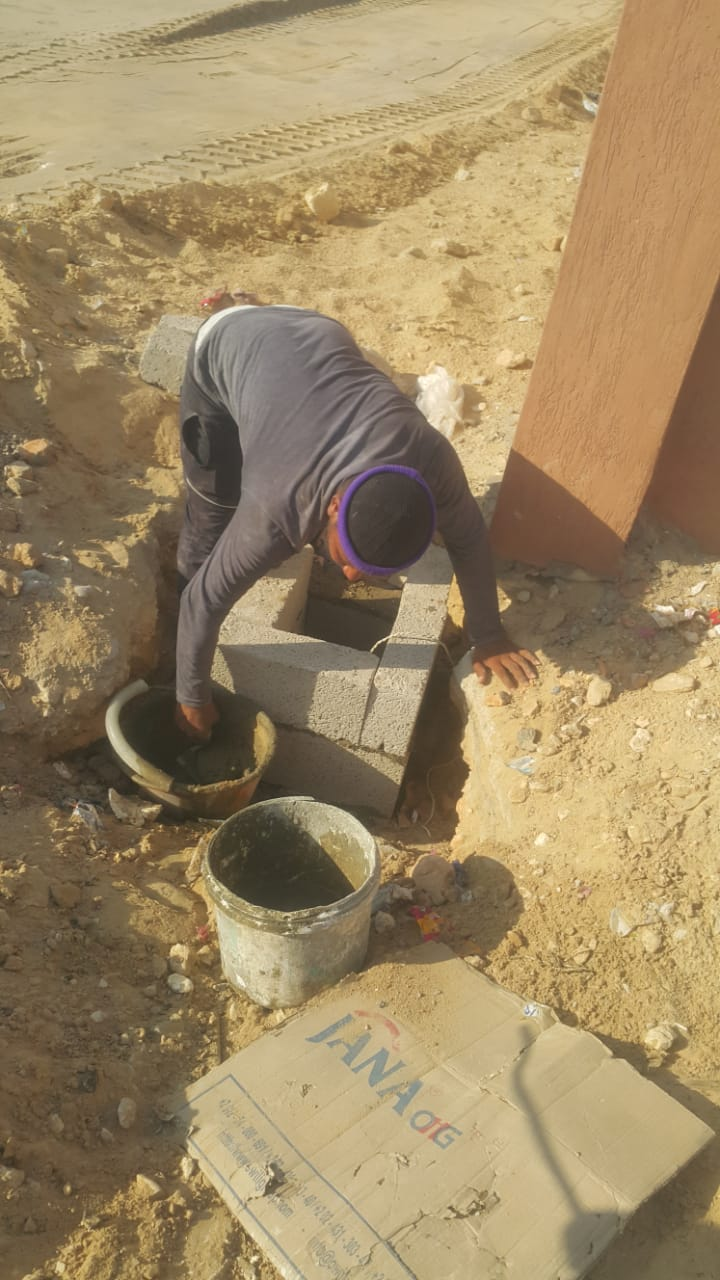 محافظ شمال سيناء يكلف مديرى الخدمات سرعة انهاء مشروعات قرية الروضة (7)