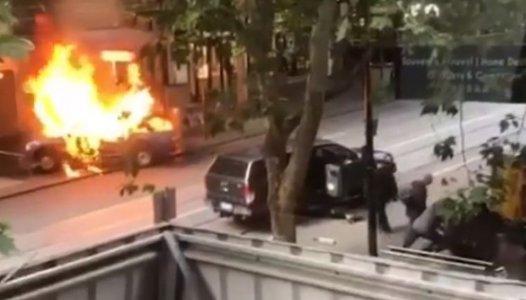 4 - صورة للسيارة المحترقة فى هجوم أستراليا