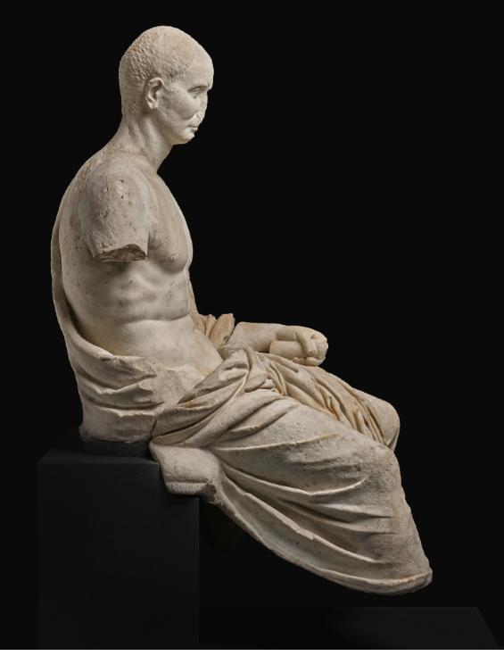 تمثال الشاعر الرومانى  (3)