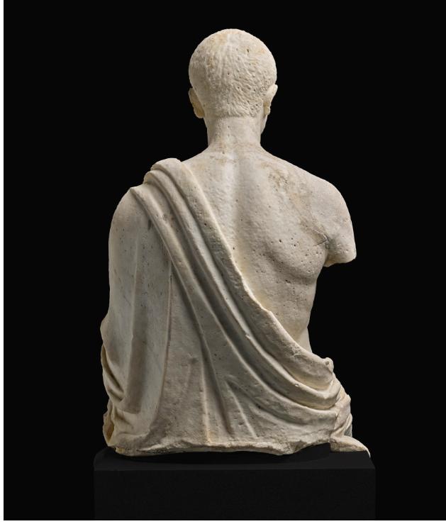 تمثال الشاعر الرومانى  (2)