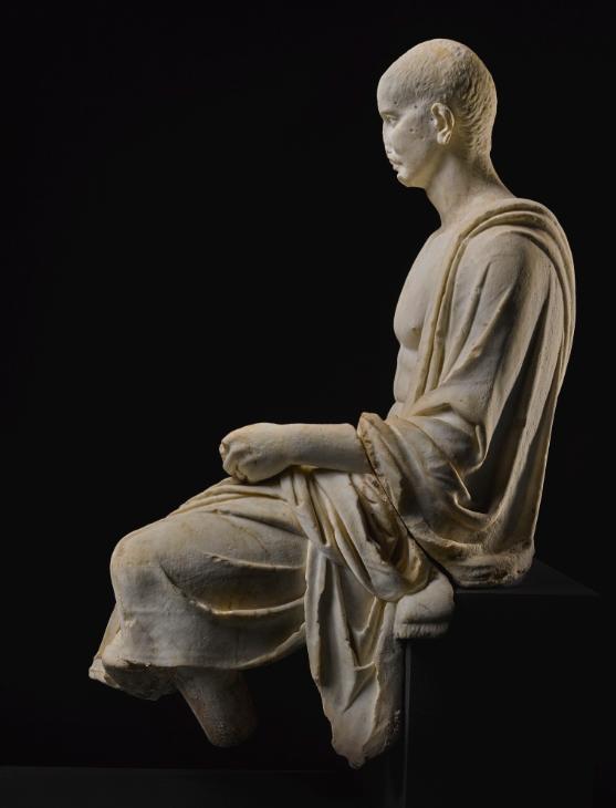 تمثال الشاعر الرومانى  (1)